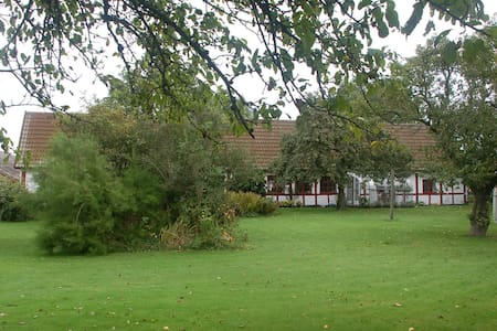 Lejlighed - Bornholm - gl. gård - Rønne - Daire