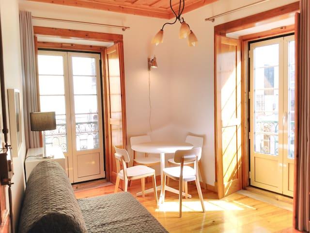Bairro Alto Corner Apartment - Lisbon