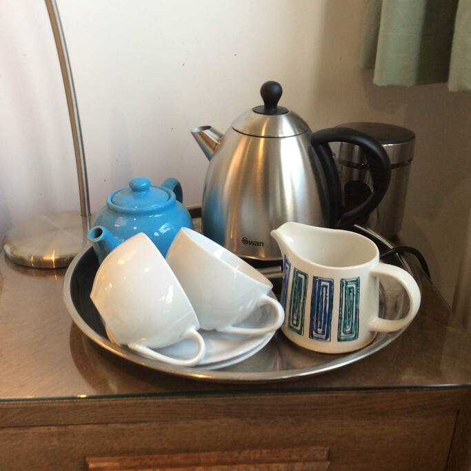 Tea and coffee facilities in guest bedroom
