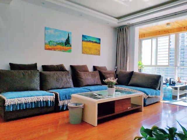 安康《小熊三号民宿》高速路口旁,高品质二居室