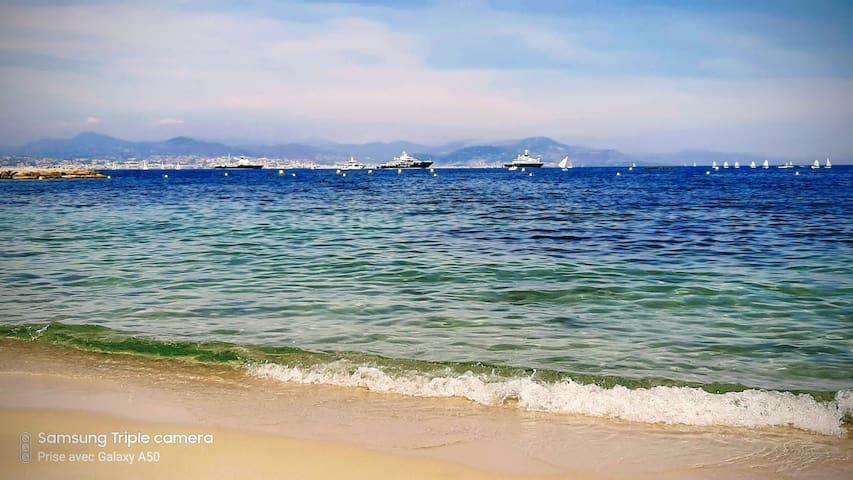 Plage de la Salis - coté Antibes