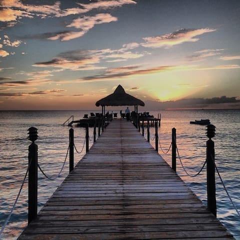 CARIBBEAN BEACH PARADISE-CADAQUÉS - Dominicus - Pis