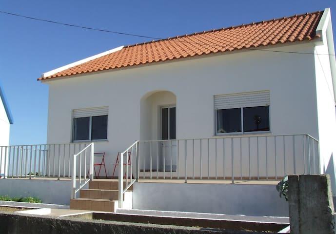 Au calme dans petit village - Setúbal - House