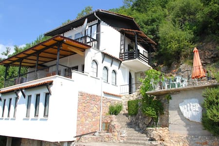 Villa Panorama Elen Kamen, Struga Macedonia - Struga - Villa