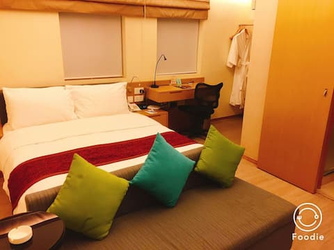 Wanchai Double Rm(5 Mins walk to HKCEC) DailyMaid