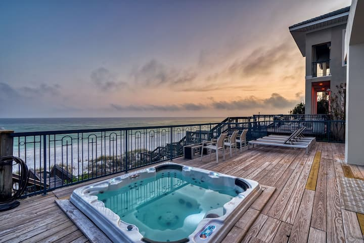 THE FRONT ROW: Gulf Front, Hot Tub, Elevator, 6 En-suites, Million Dollar Views!