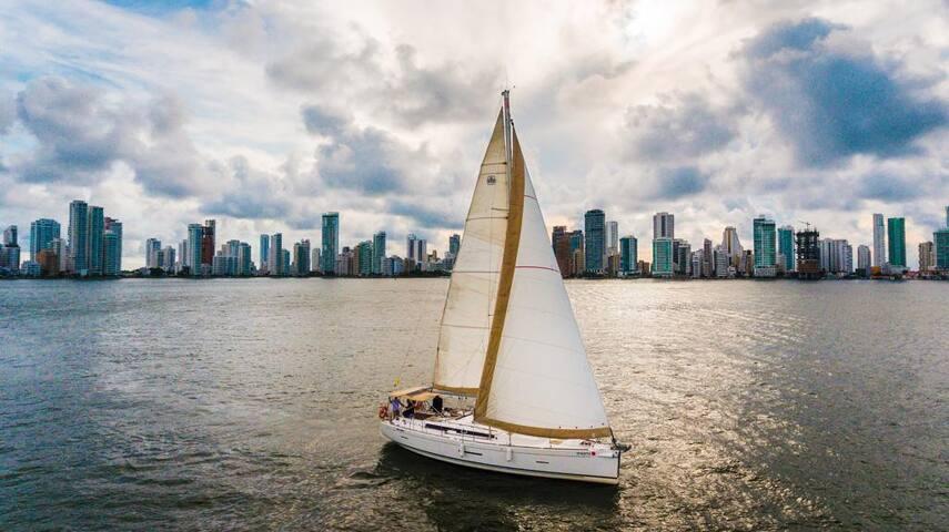 Velero de lujo para disfrutar en Cartagena!