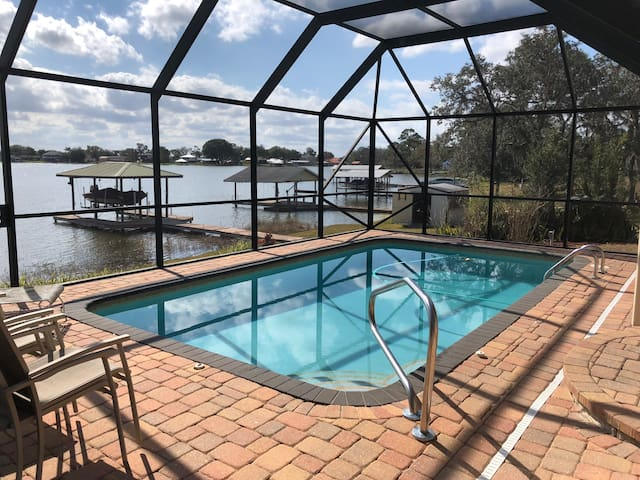 LAKESIDE ESCAPE, enjoy  Pool, Lake, Fish, Kayak