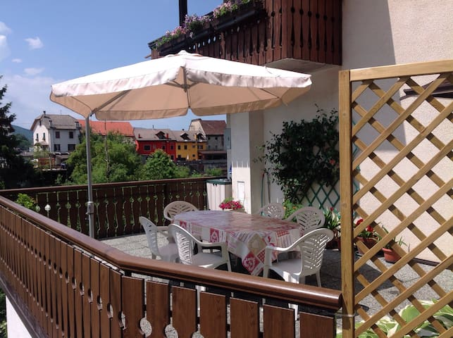 Appartamento con terrazzo a Tambre - Tambre - Apartment