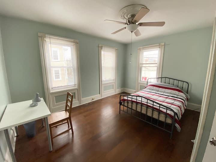 Huge bedroom in a newly renovated 3 bed apartment