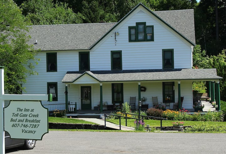 The Inn at Toll Gate Creek