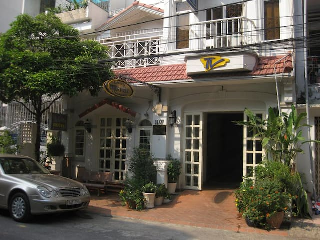 THINHVUONG HOTEL AND APARTMENT