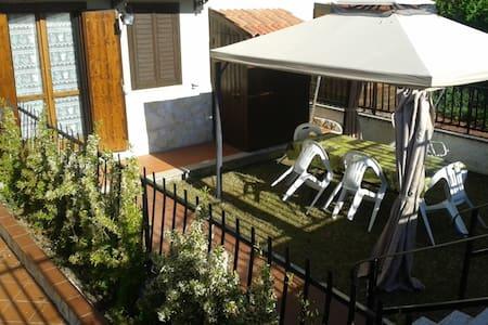 Grazioso appartamento con giardino - Pontone - Apartamento