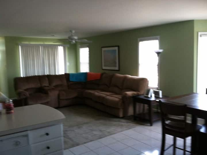 1 Block to the beach in a spacious Condo