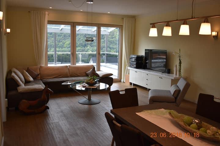 Ferienwohnungen an der Liebesleite (Riedenburg), Ferienwohnung an der Liebesleite I;  65m² mit überdachter Terrasse, Panoramablick & WLAN