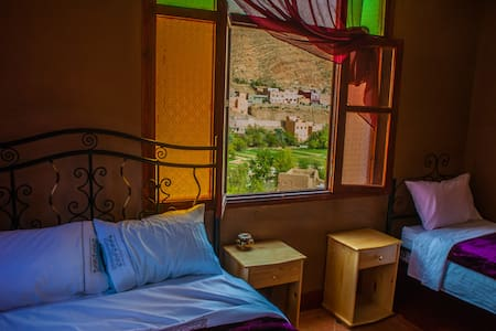 RIAD LES JARDINS DES GORGES: FAMILY BEDROOM