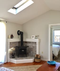 Airy, Bright and Charming in West End! - Provincetown - Pis