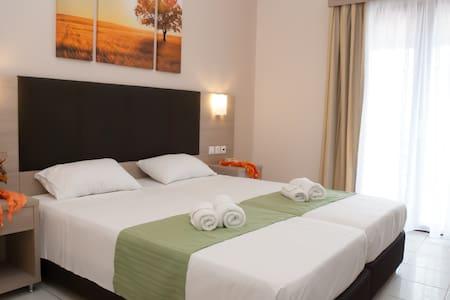 Lazaros Central Apartment - Tsilivi - Planos - Lejlighed