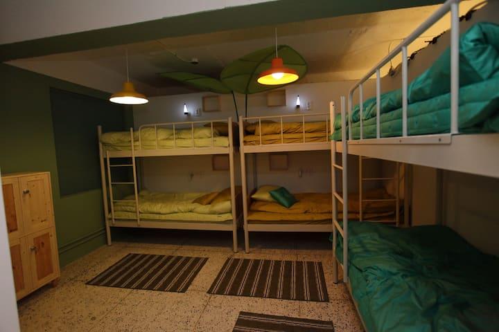 D-2 부산역SUM게스트하우스8인실(공용)