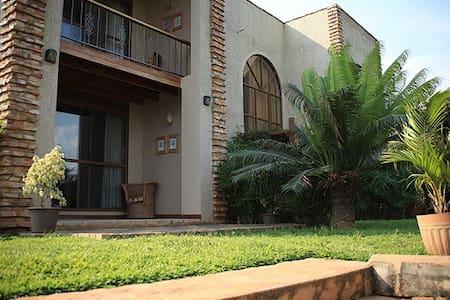 Woodstone Apartment Homes - Kampala - Apartment