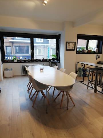 Duplex avec une chambre de 20m²  centre Wavre