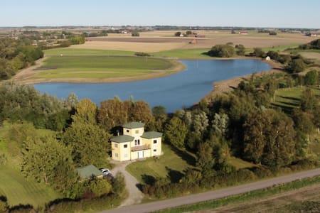 Egen lägenhet i unik villa i naturen - Landskrona S