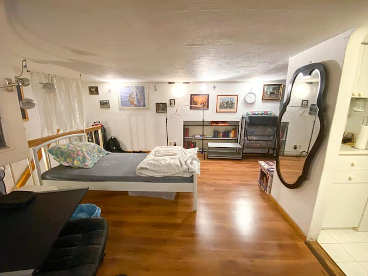1 small independent room (flat) on the main street