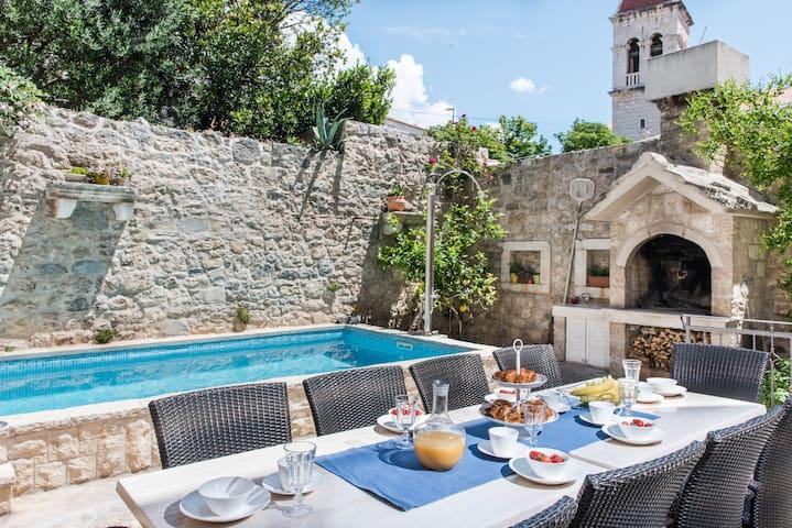 Old stone villa in historic center of city - Macarsca - Villa