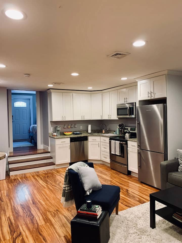 Beautiful 1 Bedroom Condo in Heart of South Boston