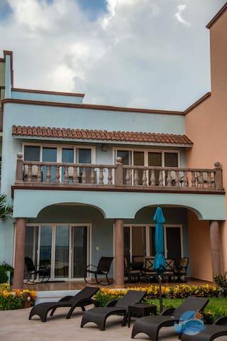Las Casitas-Faro Fabulous Ocean Front Three Bedroom in Heart of Puerto Morelos