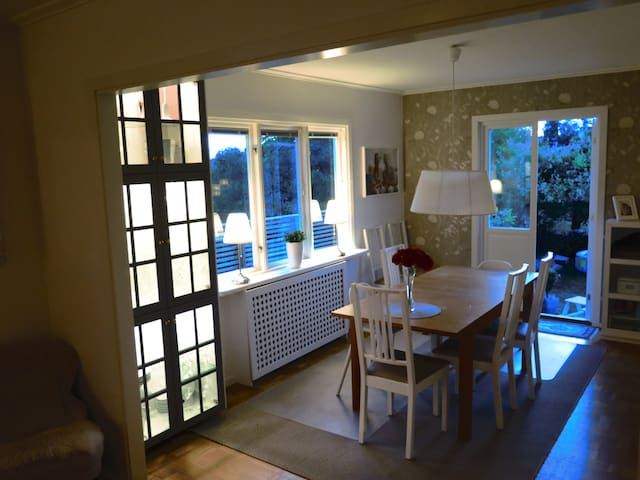 Dining area for 8 people with direct access to garden and garden teracce