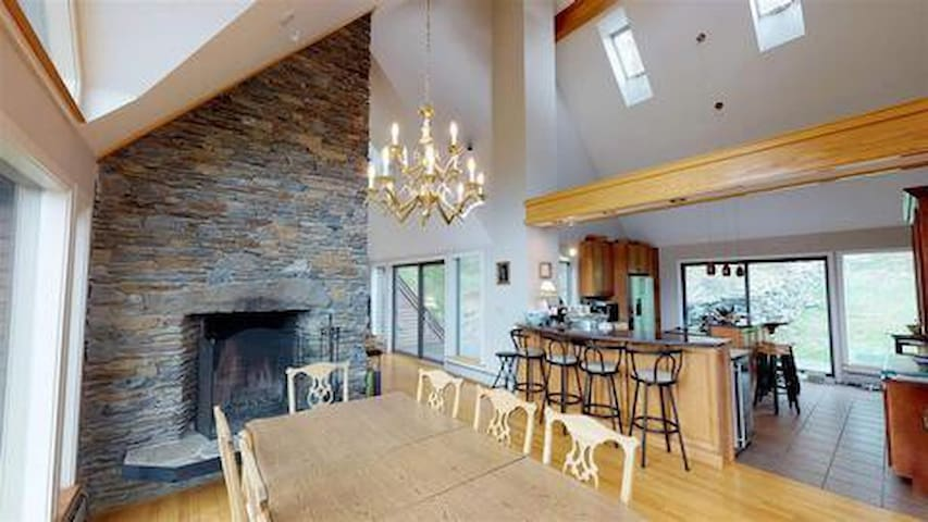 Private ski home, Quechee, Great for families!