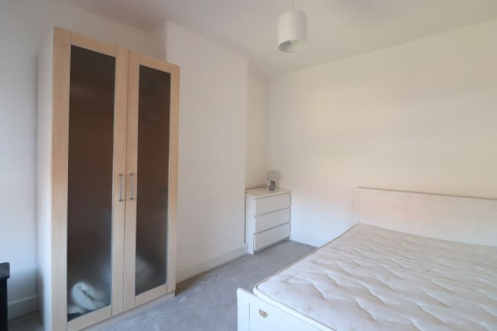 Double Furnished Bedroom Wellingborough Town Centr