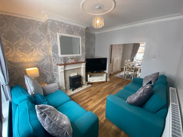 Scoresby Quarters - Whitby Holiday Home