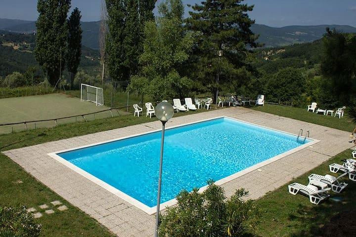 Romantic detached house x2 for holidays with view - Rufina - House