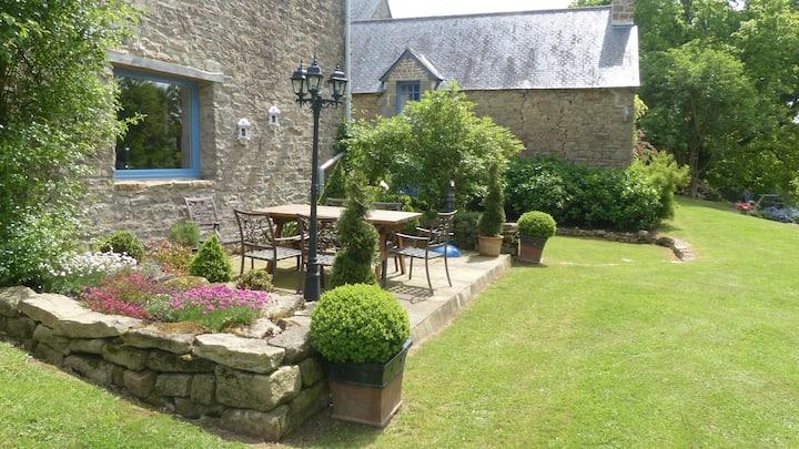 LaMaison Bleue Spacious 2 Bedroom Gite in Brittany