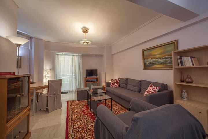 Danae's cozy apartment close to city center - Nea Smirni - Leilighet