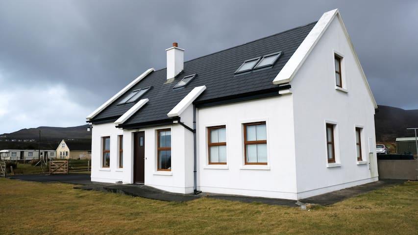 Beautiful Seaview Cottage on Achill Island