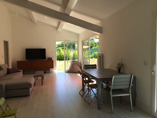 Modern house with pool and spa - 10 min from Aix