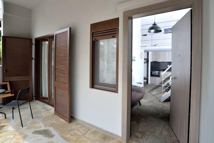 Luxurious seaside suite (loft) -Nea Potidea beach