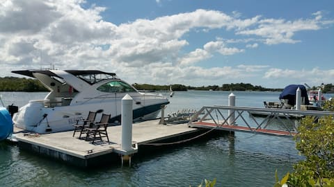 Private self contained luxury waterfront