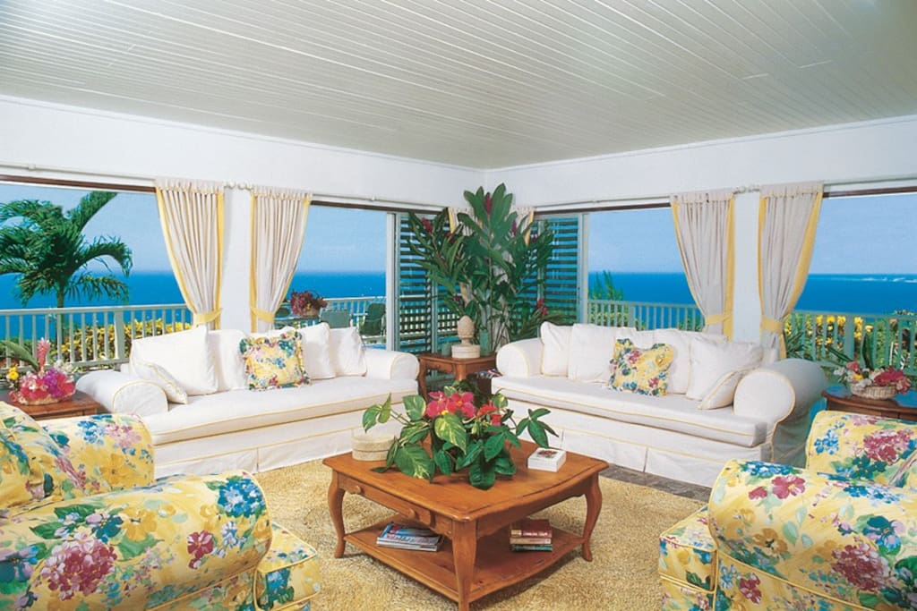 Blue Heaven is a simply beautiful three-bedroom private villa named for its breathtaking panorama of sea and sky. Wide glass doors and cedar louvres open to the wrap-around verandah and spectacular view. All three bedrooms are air conditioned.