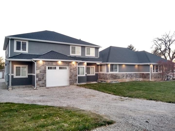 Brand New Cozy Farmhouse Guest Retreat