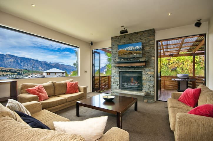 Lakeview Lodge Two with Stunning Views