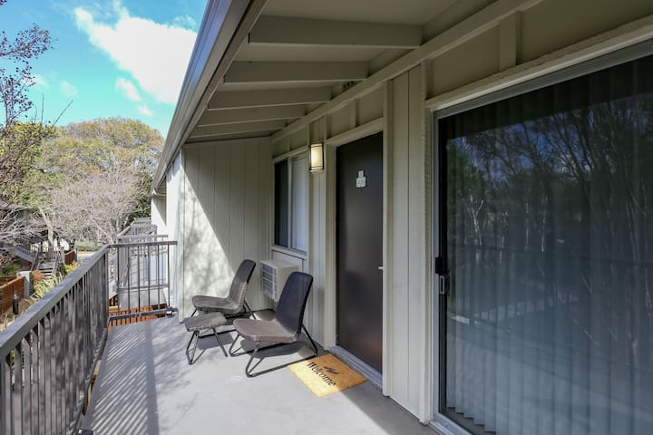 Beautiful 2BR Place in Mountain View