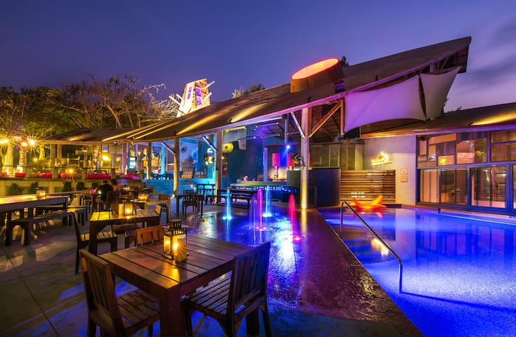 BAR&BED Free Breakfast + Free WiFi - Noen Phra - Bed & Breakfast