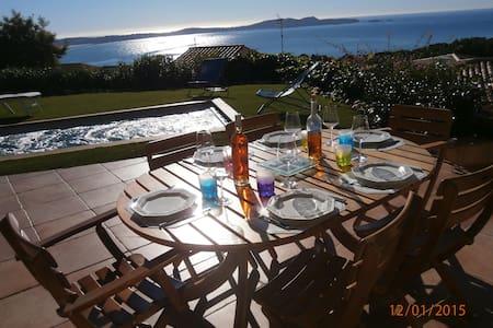 Villa vue mer exceptionnelle - Hyères