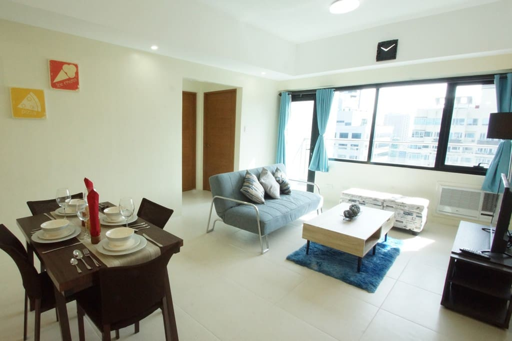 Comfy spacious brand new 1 bed in bgc w wifi b2 for Casa moderna progetta filippine