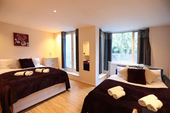 Master Quadruple Bedroom in London Euston (6)