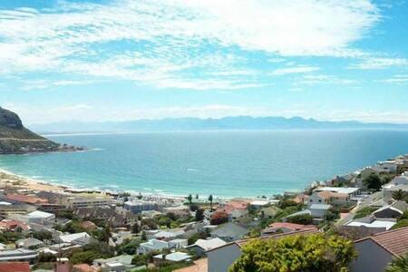 Seaside Villa in Fishhoek - Città del Capo